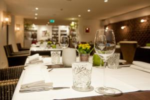 Restaurant ou autre lieu de restauration dans l'établissement Badhotel Bruin