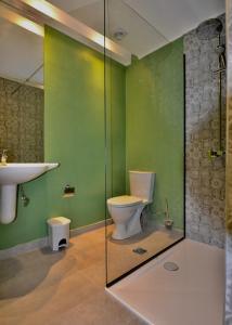 A bathroom at Paloma Blanca