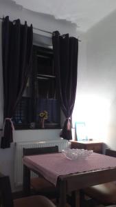 TV a/nebo společenská místnost v ubytování Dům Avalon