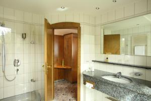 Ein Badezimmer in der Unterkunft Hotel Brielhof