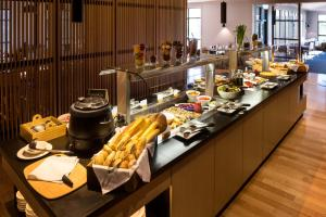 A restaurant or other place to eat at Cradle Mountain Hotel