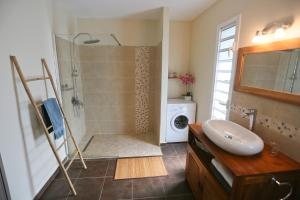 Salle de bains dans l'établissement Les Terrasses de Niagara