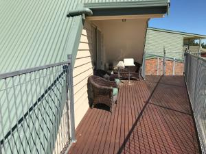 A balcony or terrace at 91 Stevenson Court