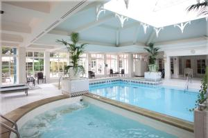 The swimming pool at or close to Disneyland® Hotel