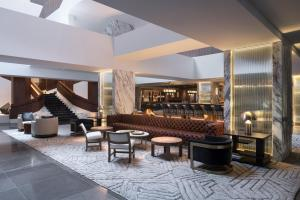 The lounge or bar area at Four Seasons Hotel Houston