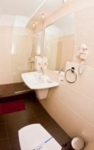 A bathroom at Greenstone