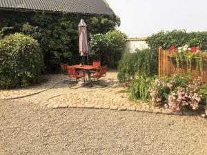 A garden outside Mattisgården Bed & Breakfast