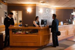 The lobby or reception area at Coast High Country Inn