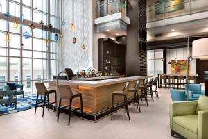 The lounge or bar area at Ocean 22 by Hilton Grand Vacations