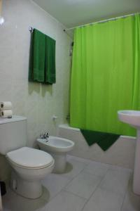 A bathroom at Aparthotel la Piramide