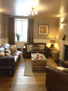 A seating area at Hillview Cottage