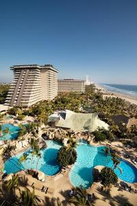 A view of the pool at Princess Mundo Imperial Riviera Diamante Acapulco or nearby