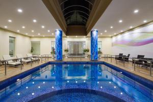 المسبح في فندق راديسون بلو الظهران أو بالجوار