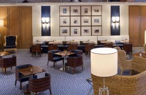 The lounge or bar area at Starhotels President