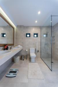 A bathroom at Naiades Almiros Beach Villa