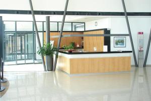 Lobby/Rezeption in der Unterkunft Hotel der Rastanlage im Hegau OST