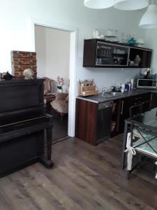 A kitchen or kitchenette at Cristal Sopot