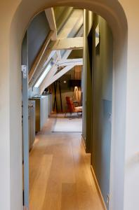A kitchen or kitchenette at B&B Huis Koning