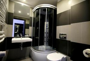 Łazienka w obiekcie Hotel PRIME - Spa & Wellness