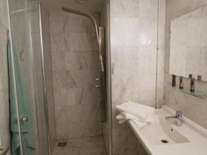Salle de bains dans l'établissement Huize de Duinen