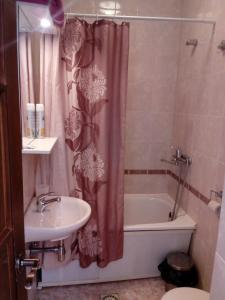 Ванная комната в Гостиница «Русь»