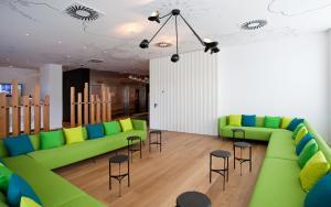 A seating area at Vincci Bit