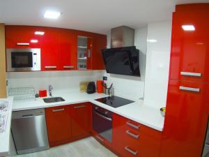 Una cocina o zona de cocina en La Torre Oceanside