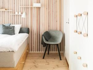 A seating area at Dream Hostel & Hotel Tampere