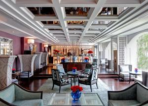 The lounge or bar area at The Sukosol Hotel Bangkok