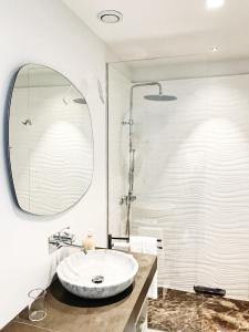 A bathroom at Piazza Castello Suite