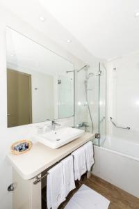 A bathroom at Hotel Marul