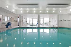 The swimming pool at or near Courtyard by Marriott Amarillo West/Medical Center