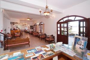 A restaurant or other place to eat at Ikaros Star Hotel
