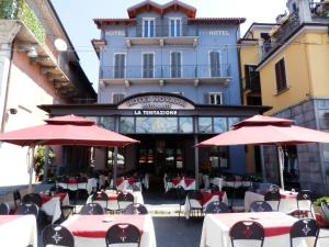 A restaurant or other place to eat at Hotel Novara