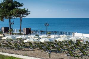 Пляж на территории санатория или поблизости