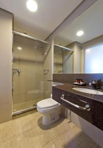 A bathroom at Majestic Palace Hotel