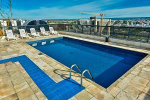 A piscina localizada em Metropolitan Hotel Brasília ou nos arredores