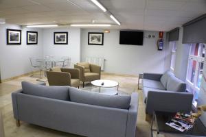 The lounge or bar area at Hotel Picos De Europa