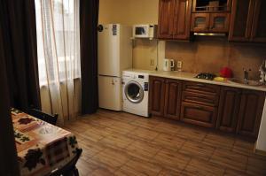 Кухня или мини-кухня в Апартаменты Декабристов