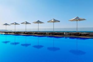 Der Swimmingpool an oder in der Nähe von Boutique 5 Hotel & Spa - Adults Only