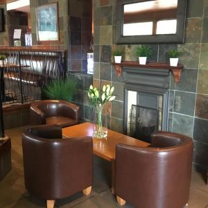 The lobby or reception area at West Park Hotel