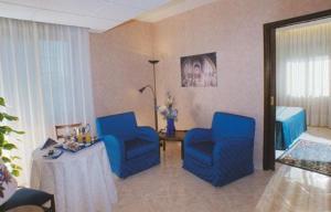 A seating area at Grand Hotel Italiano