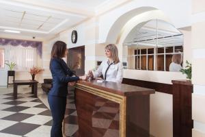Лобби или стойка регистрации в Hotel Mask