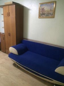 A seating area at Амурский бульвар 56 Вокзал жд
