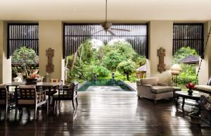 A restaurant or other place to eat at Four Seasons Resort Chiang Mai