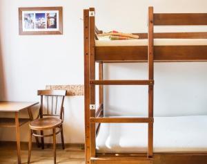 Ein Etagenbett oder Etagenbetten in einem Zimmer der Unterkunft Klaipeda Hostel