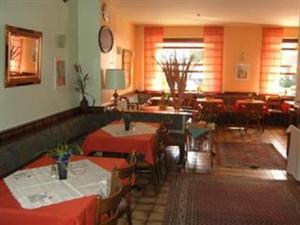A restaurant or other place to eat at Hotel Heidehaus