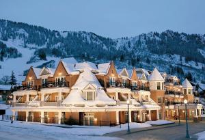 Hyatt Residence Club Grand Aspen during the winter