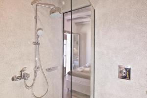 A bathroom at Lindos Comfy Suites