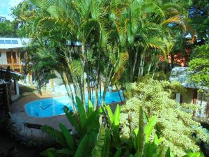 A view of the pool at Pousada Náutilus or nearby
